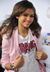 how did zendaya conquer shyness?