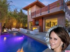 jennifer love hewitt drops $3 million on this l.a. bachelorette pad