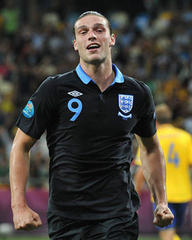 Roy Hodgson faces striking dilemma after recalling Andy Carroll for England friendlies