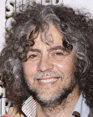 wayne coyne stuns tv audiences with naked performance